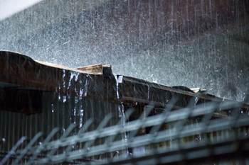 跳ね垂れる雨小.jpg